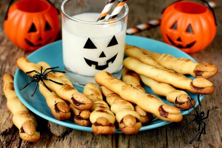 Snacks, Halloween, Kürbis, Blätterteig, Sticks, Partysnacks, Halloweenparty, Essen, Kinder
